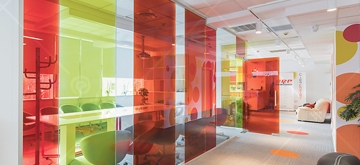 EVOLAM K – Laminated Glass with Colored Foil