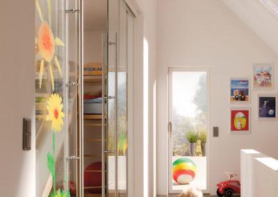 Ușă din sticlă glisantă cu feronerie Dorma MUTO DRM 07