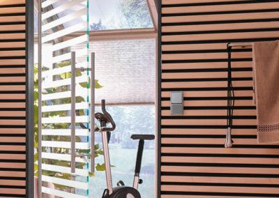 Ușă din sticlă batantă cu feronerie Dorma Manet DRM