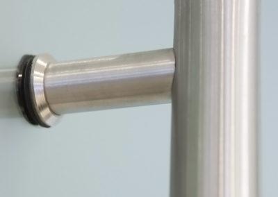 Detaliu mâner pentru uși din sticlă glisante și uși din sticlă batante