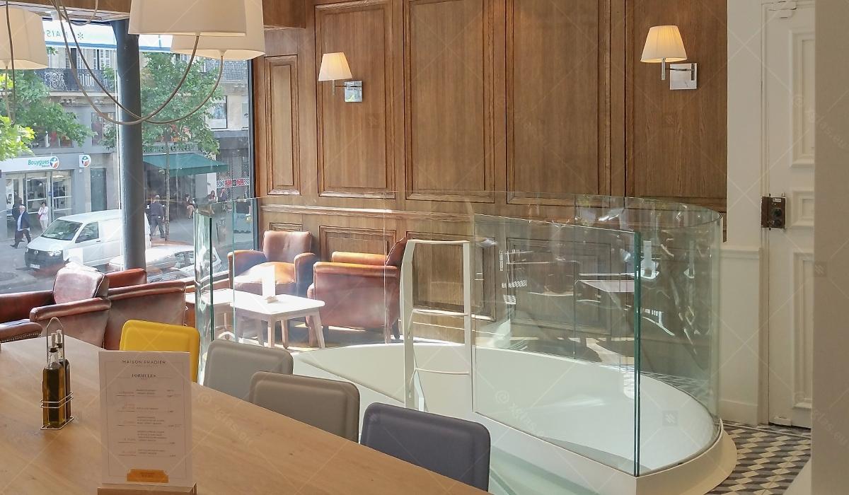 EVOLAM CONTOUR Laminated Curved Glass Railings Paris Detail