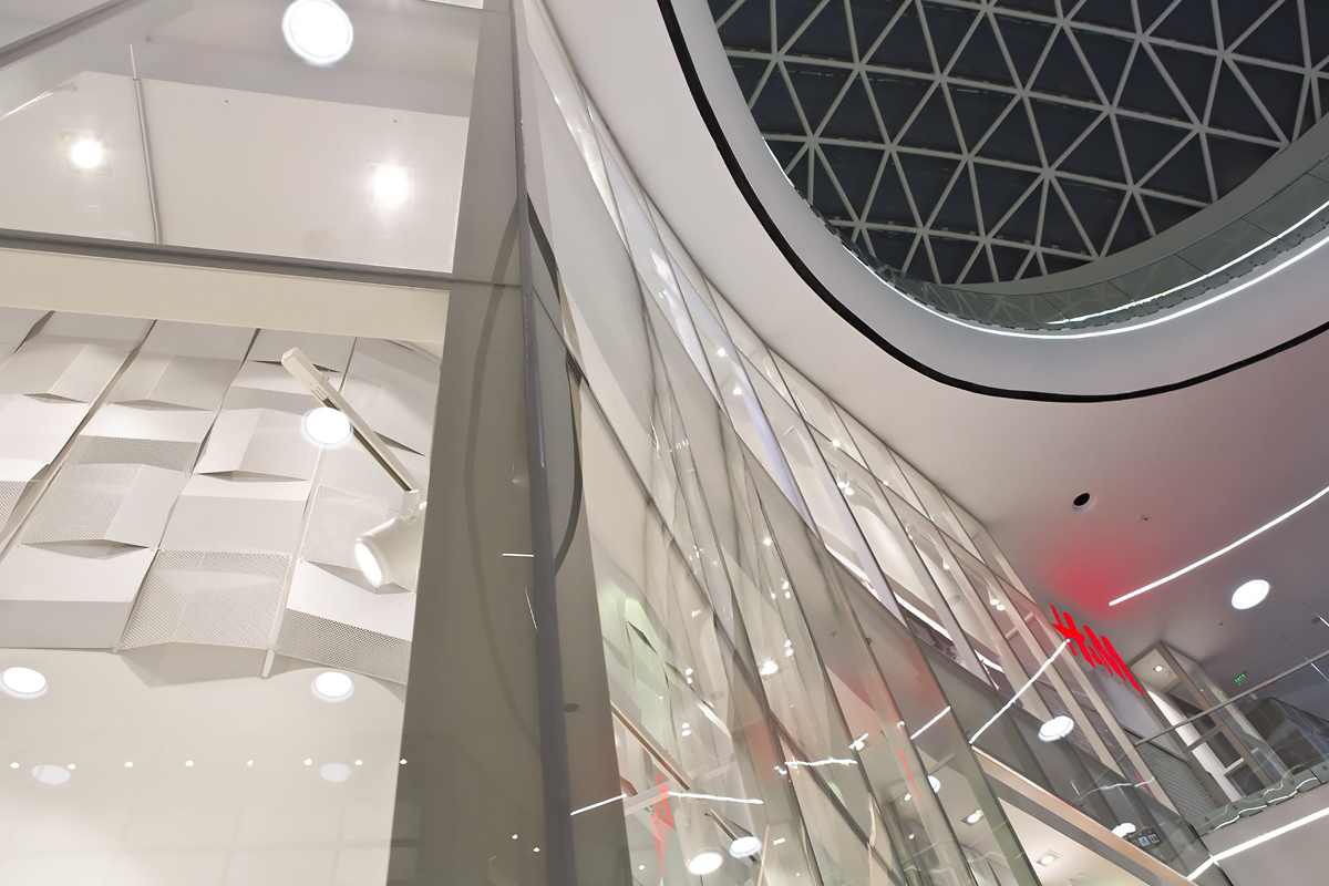 HM-Mega-Mall-01