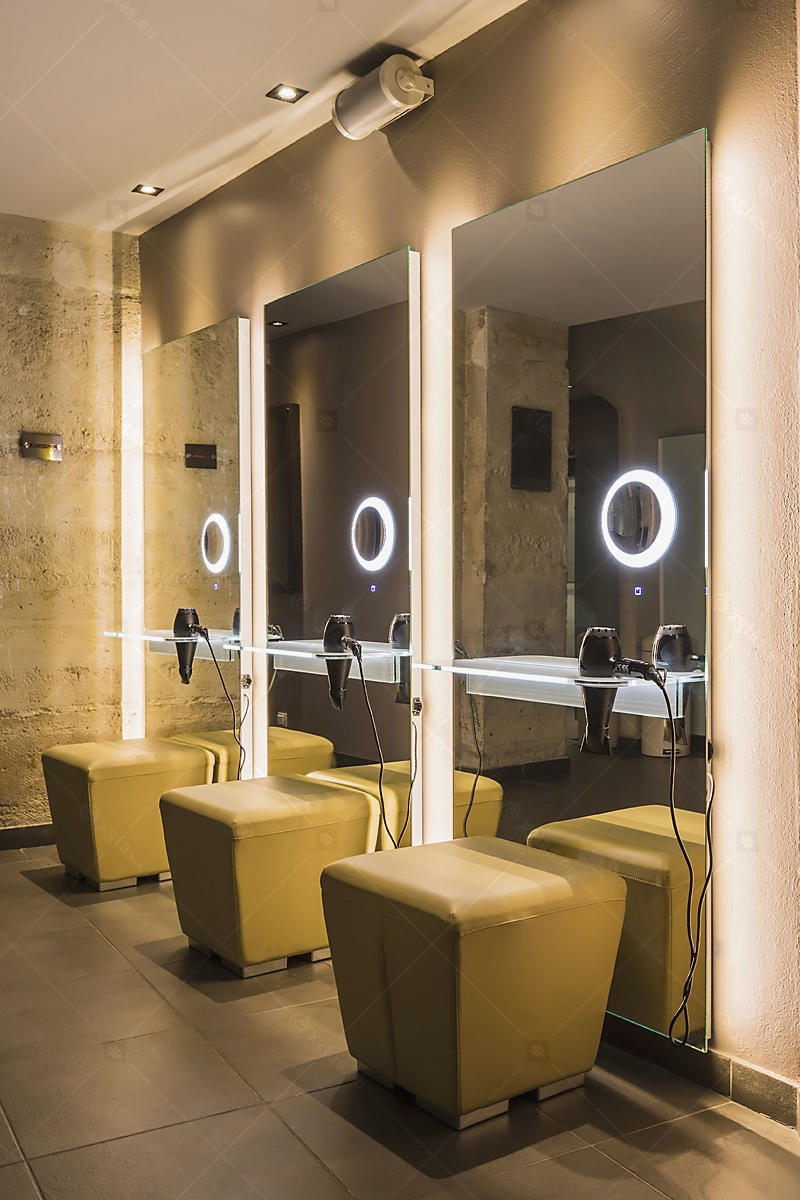 Oglinzi cu poliță iluminată LED cu suport de uscător de păr 09