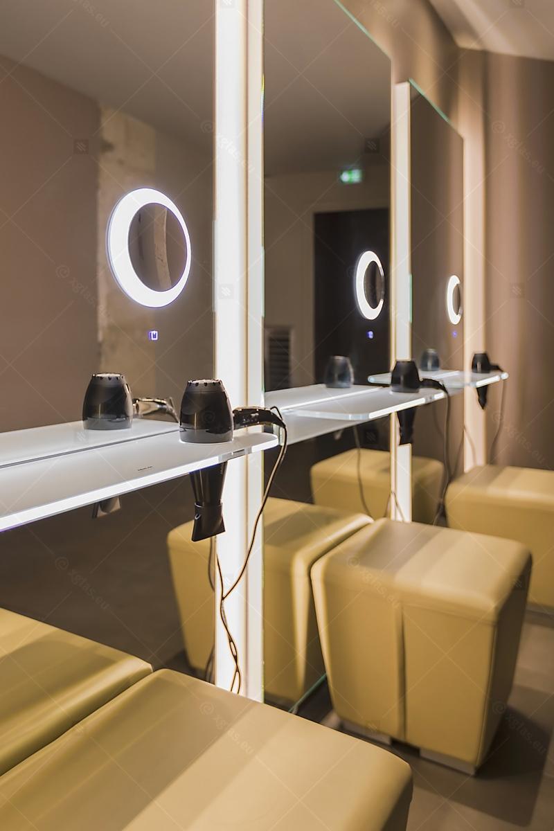 Oglinzi cu poliță iluminată LED cu suport de uscător de păr 10